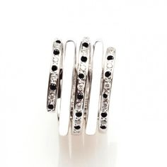 Bijoux – Tendance : Black and White Diamond Ornamental Ring