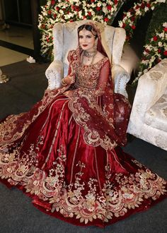 Asian Wedding Dress Pakistani, Pakistani Bridal Lehenga, Asian Bridal Dresses, Indian Bridal Outfits, Pakistani Wedding Dresses, Bridal Mehndi Dresses, Wedding Hijab, Indian Dresses, Wedding Lehenga Designs