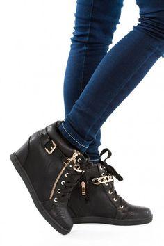 29169bcfdfde9d 14 meilleures images du tableau bottes fourrure | Fur, Boots et Shoe