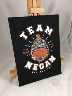 Team Negan Poster Funny Walking Dead Collector Canvas Print eeny meeny x x by LeRage Shirts Walking Dead Gifts, Walking Dead Art, Walking Dead Funny, Wall Art Decor, Canvas Prints, Poster, Photo Canvas Prints, Billboard