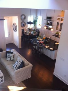 This is a good example of how a small looking home can still look quaint and liveable.  Open Floor Plan living