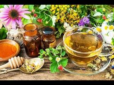 Growing your own herbal tea garden is easy and so satisfying when you can make a cup of tea from something you've grown. Here are 9 easy to grow herbs to plant in your tea garden. Vida Natural, Salud Natural, Making Herbal Tea, Ginger Root Tea, Organic Herbal Tea, Herbal Teas, Herbal Tea Benefits, Lemon Balm Tea, Rosehip Tea