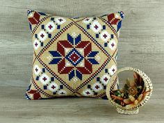 needlepoint geometric pillows results - ImageSearch Beige Pillow Covers, Beige Pillows, Throw Pillow Covers, Boho Throw Pillows, Toss Pillows, Bohemian Chic Home, Navy Cross, Modern Home Interior Design, Cross Stitch Pillow