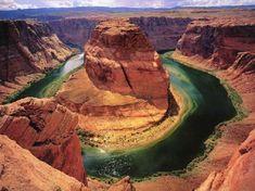 Rivière Colorado, Utah André Gide La hauteur de l'orgueil se mesure à la profondeur du mépris. L'altezza dell'orgoglio si misura dalla profondità del disprezzo.