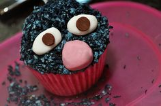 Sesame Street Grover Cupcake