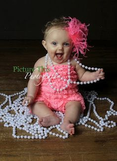 1st birthday photo shoot idea, want to do this with Lacie! @Jen Taylor