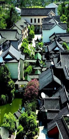 A group of newly structured traditional-style Chinese building In order to promote and maintain the traditional Chinese architecture culture, China has many this type of buildings and villages today. China Architecture, Japanese Architecture, Architecture Office, Futuristic Architecture, Architecture Design, Chinese Buildings, Asian House, China Travel, Chinese Culture