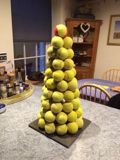 @Tzoulia we love how you #rebounce ! recycled tennis balls #IRebounce Tennis Cake, Tennis Party, Sports Party, Tennis Ball Crafts, Tennis Decorations, Balloon Topiary, Christmas Applique, Tennis Clubs, Holiday Centerpieces