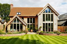 Oak frames are often a quick and environmentally friendly way of building your home. Here are 10 examples of the best designs