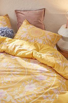 Best College Bedroom Decoration – My Life Spot Blue Master Bedroom, White Bedroom Design, Dream Bedroom, Home Decor Bedroom, Interior Design Living Room, Bedroom Ideas, Teen Bedroom, Floral Comforter, Yellow Bedding