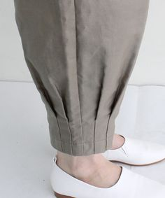 Best 12 cool ankle detail – Paris Pant by Blanque – SkillOfKing. Sleeves Designs For Dresses, Dress Neck Designs, Stylish Dress Designs, Sleeve Designs, Salwar Designs, Kurti Designs Party Wear, Kurta Neck Design, Kurti Sleeves Design, Pakistani Fashion Casual