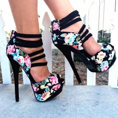 awesome Shoespie Flower Print Peep Toe Back Zipper Platform Heels Dream Shoes, Crazy Shoes, Me Too Shoes, Crazy High Heels, Pretty Shoes, Beautiful Shoes, Gorgeous Heels, Hot Shoes, Shoes Heels