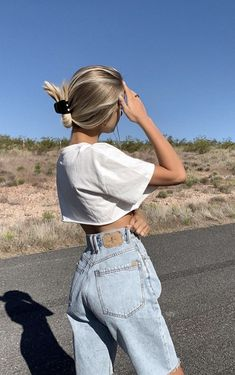 Fashion Tips Jeans .Fashion Tips Jeans Mode Outfits, Trendy Outfits, Fashion Outfits, Fashion Tips, Jeans Fashion, Short Outfits, Fashion 2020, Hijab Fashion, Womens Fashion