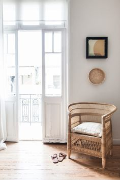 rattan has been my jam for a while now, but i'm really seeing it everywhere as of late. i think it's because it can lend itself to a lot of different decors Decor Interior Design, Interior Styling, Interior Decorating, Living Room Inspiration, Home Decor Inspiration, Monday Inspiration, Color Inspiration, Decor Ideas, Hygge Home Interiors
