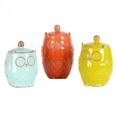 Add color and cut out the clutter with these must-have kitchen accessories! Our Owl Canisters have a whimsical owl design that makes them one-of-a-kind! Owl Kitchen, Kitchen Dining, Kitchen Stuff, Kitchen Ideas, Kitchen Ware, Whimsical Owl, Gadgets, Ceramic Owl, Kitchen Canisters