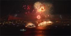 Haberin Ola! | Boğaz'da Muhteşem Havai Fişek Gösterisi - Cumhuriyet Bayramı kutlamalarının coşkulu yaşandığı adres, İstanbul Boğazı oldu.