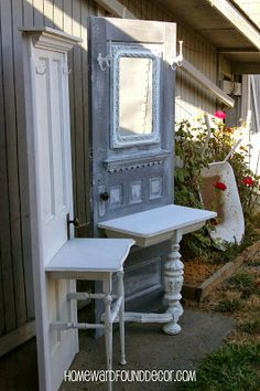 25 Diy Recycled Door And Window Projects - Top Do It Yourself Projects Refurbished Furniture, Repurposed Furniture, Furniture Makeover, Painted Furniture, Repurposed Doors, Salvaged Wood, Old Door Projects, Furniture Projects, Diy Furniture