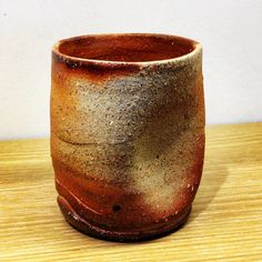 ジェイムスさん作フリーカップ。大きな湯呑サイズです。イギリス出身の陶芸家ジェイムス・イラズムスさんと奥様で丹波布作家のイラズムス・千尋さんの二人展「Mr.&Mrs.Erasmus -二人展」は本日から!  #ジェイムス・イラズムス #イラズムス・千尋 #織部下北沢店 #備前 #陶器 #器 #ceramics #pottery #clay #craft #handmade #oribe #JamesErasums