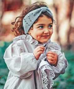 Este posibil ca imaginea să conţină: 1 persoană, copil mic şi cadru apropiat Cute Little Baby Girl, Beautiful Baby Girl, Cute Girl Face, Cute Girls, Cute Baby Girl Wallpaper, Cute Babies Photography, Cute Baby Girl Pictures, My Idol, Whatsapp Dp