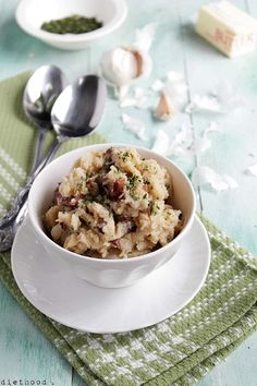 Slow Cooker Country Style Garlic Mashed Potatoes @Kate Diethood