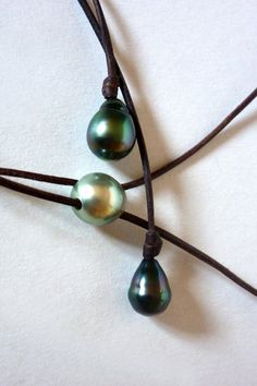 Tahitian pearls on leather, woman necklace