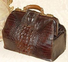 Superb Large Antique Victorian Era 15 Alligator or Croc Travel Case, Marked Dalmuinzie - Aberdeen Vintage Luggage, Vintage Bags, Vintage Handbags, Vintage Suitcases, Bags Online Shopping, Online Bags, Stylish Handbags, Purses And Handbags, Vintage Accessories