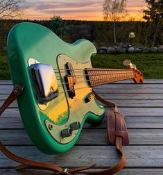 Fender Bass, Bass Guitars, I Love Bass, Cool Electric Guitars, All About That Bass, My Music, Music Instruments, Finger, Play