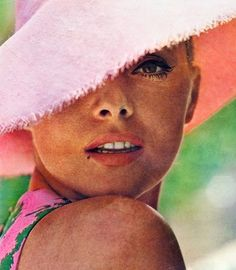 Virna Lisi. 60s summer style.