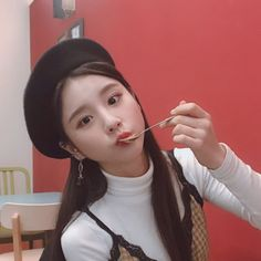"""Who wants to watch with 🙋🙋 Let's dive into HeeJin's world together~ 😆😆"""" Kpop Girl Groups, Korean Girl Groups, Kpop Girls, Extended Play, Sooyoung, Your Girl, My Girl, Hot Pink, Olivia Hye"""