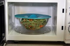Silicone Lid prevents spills during reheating in microwave