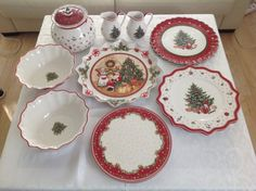 Villeroy & Boch Christmas set from Winter Bakery og Toys Delight series| FINN.no Christmas Settings, Fine Porcelain, Red Christmas, Bakery, Decorative Plates, Toys, Winter, Vintage, Design