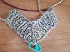 Fair Isle Knitting, Hand Knitting, Knitting Patterns, Crochet Patterns, Big Knit Blanket, Jumbo Yarn, Big Knits, Knit Pillow, How To Start Knitting