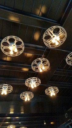 Home Movie Theater Room Film Reels 43 Ideas Movie Theater Decor, Home Theater, Movie Reel Decor, Theater Seating, Labo Photo, Basement Movie Room, Movie Bedroom, Film Reels, Gym Decor
