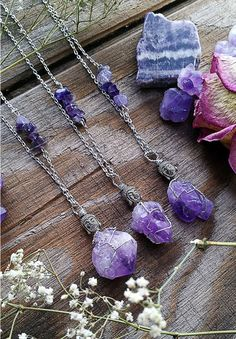 Beautiful raw Amethyst chunks that have been wire wrapped and topped with small Buddha heads. Also complete with amethyst beads within each of the chains. Amethyst is a meditative and calming stone wh Modern Jewelry, Diy Jewelry, Jewelry Design, Jewelry Making, Jewlery, Diy Crystal Crafts, Buddha Jewelry, Diy Crystals, Simple Necklace