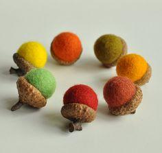 Fall felted acorns set of 7 von mellsva auf Etsy