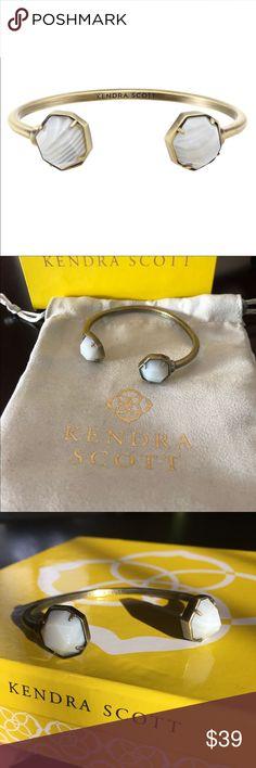 Kendra Scott Agate Hinge Bracelet Kendra Scott Agate Brinkley Bracelet  Antique brass   Check out my other items! Kendra Scott Jewelry Bracelets