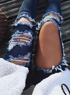 High Waisted Jeans for Women Ripped Jeans Skinny Hole Denim Pants from Clothing - The most beautiful dresses and seasonal outfits Mode Outfits, Jean Outfits, Fall Outfits, Summer Outfits, Casual Outfits, Casual Pants, Denim Fashion, Look Fashion, Fashion Outfits