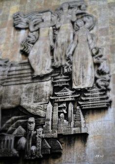 Prophecy, détail sur sculpture bibliothèque de Douai, juillet 2013