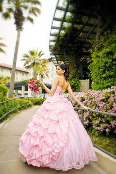 Quinceanera photography Houston. http://www.houston-quinceanera-photographer.com/