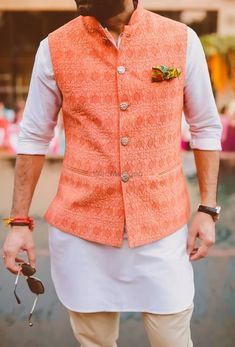 Now you may have thought that traditional wear includes only Kurta and pyjamas but here are Nehru jackets outfit guide for men to style this festive season. Mens Indian Wear, Mens Ethnic Wear, Indian Groom Wear, Indian Men Fashion, Indian Man, Mens Wedding Wear Indian, India Fashion Men, Mens Fashion, Indian Ethnic