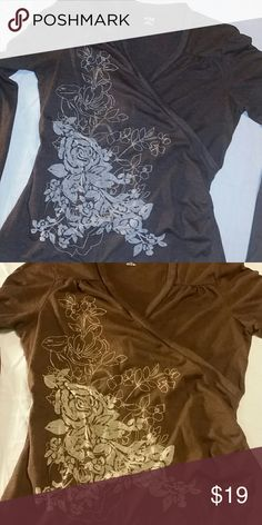 💘 20% off 2 or more when bundled 💕 Brown floral top, size M Tops Blouses
