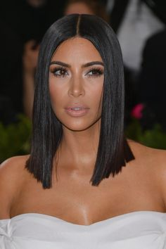 Kim Kardashian Looked Classic Vogue Chic at the Met Gala