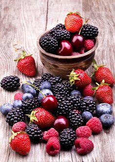 Resultado de imagem para proprietà frutti rossi