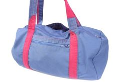 Serger Pepper 4 Craftsy - Gym Bag from a Men's Jacket - here's your bag Mens Gym Bag, Gym Men, Gym Bag Best, Eyeliner, Mascara, Eyebrows, Bucket Purse, Hippie Bags, Diy For Men