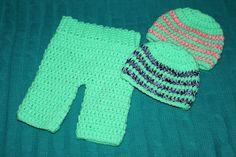 Unisex Crochet Newborn Baby Two Beanie Hats & Pants/  Trousers Set, photo prop