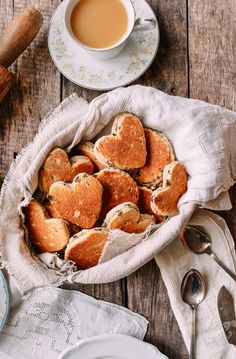Food Photography: Traditional Welsh Cakes Recipe from Mary Berry Welsh Cakes Recipe, Welsh Recipes, A Food, Food And Drink, Wok Of Life, British Bake Off, Thing 1, Cake Ingredients, A Table