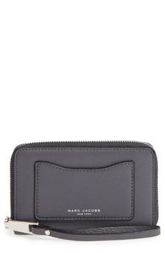 Free shipping and returns on MARC JACOBS 'Recruit' Leather Wallet at Nordstrom.com. Metallic logo embossing furthers the chic, signature style of a slimline wallet shaped from luxe pebbled leather.