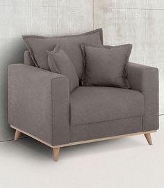 Charmanter Hingucker: Der stilvolle Sessel begeistert mit formschönem Design und ist in mehreren hübschen Bezugsqualitäten erhältlich. Das stabile Untergestell ist aus FSC®-zertifiziertem Holz gefertigt und zeichnet sich durch seine optisch ansprechende Rahmenoptik sowie die schrägen Füße aus.