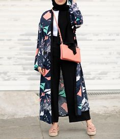 42 Ideas fashion hijab casual dresses muslim for 2019 Hijab Fashion Summer, Modest Fashion Hijab, Modern Hijab Fashion, Street Hijab Fashion, Casual Hijab Outfit, Hijab Fashion Inspiration, Abaya Fashion, Muslim Fashion, Mode Inspiration