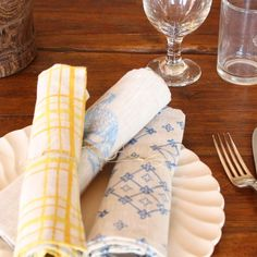Beautiful linen table napkins from Lineacarta